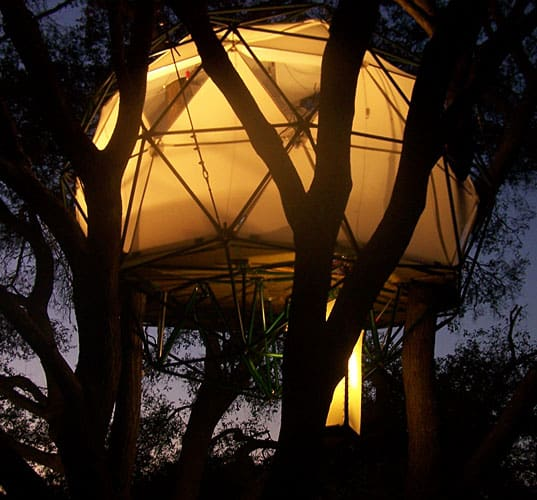 ecotreehouse2 Ten Amazing Treehouses
