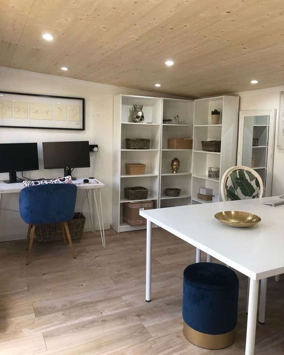 Kirsty Griffiths BillyOh Fraya Log Cabin Office Interior5