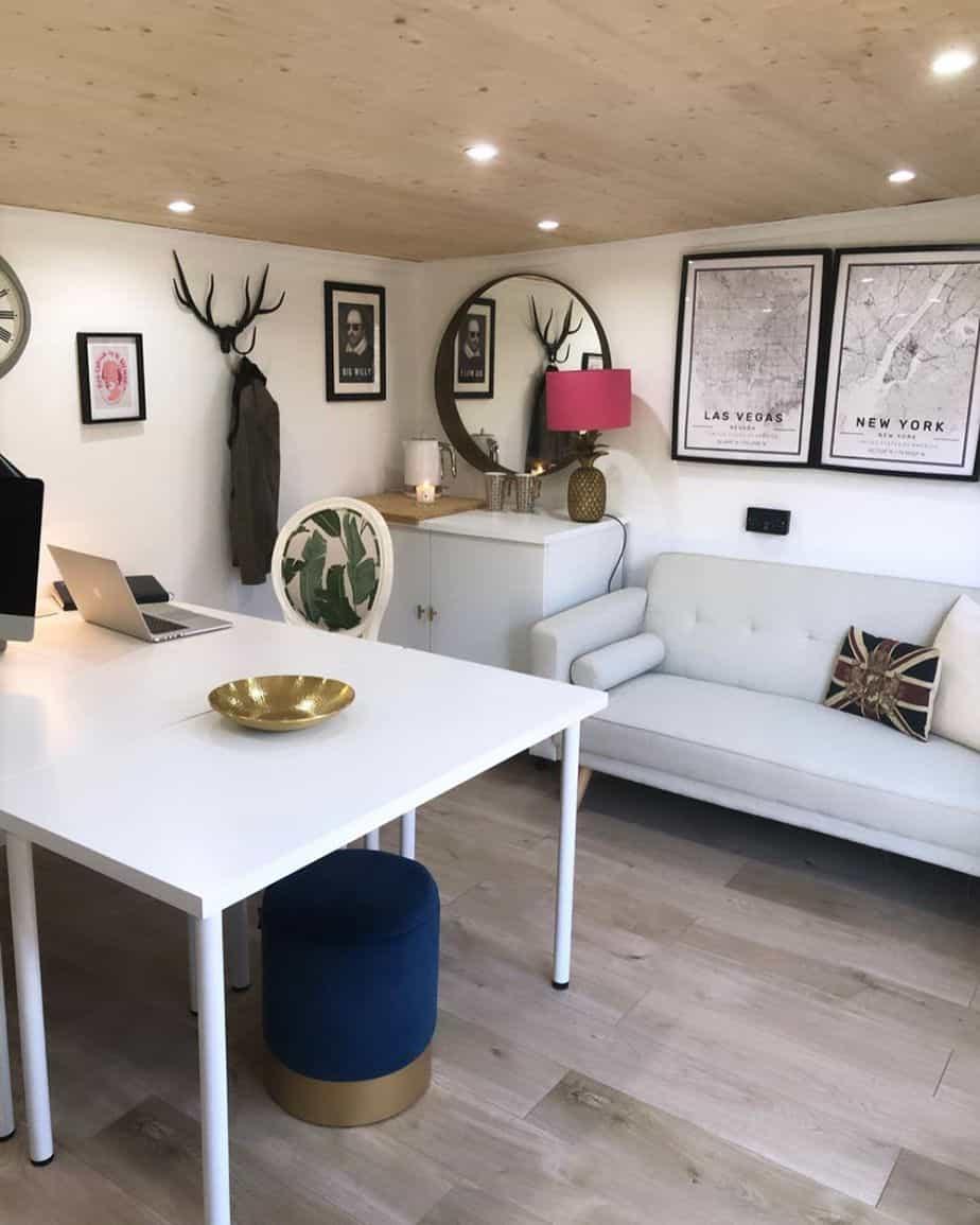 Kirsty Griffiths BillyOh Fraya Log Cabin Office Interior8