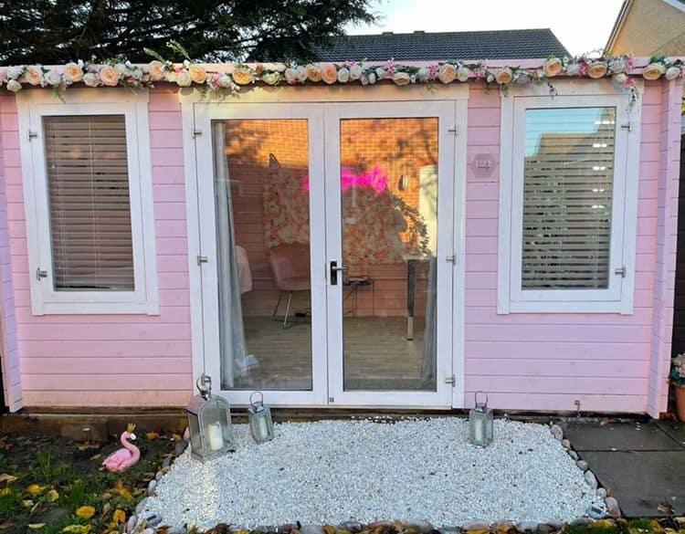Elle Beauty BillyOh Highfield Log Cabin Exterior