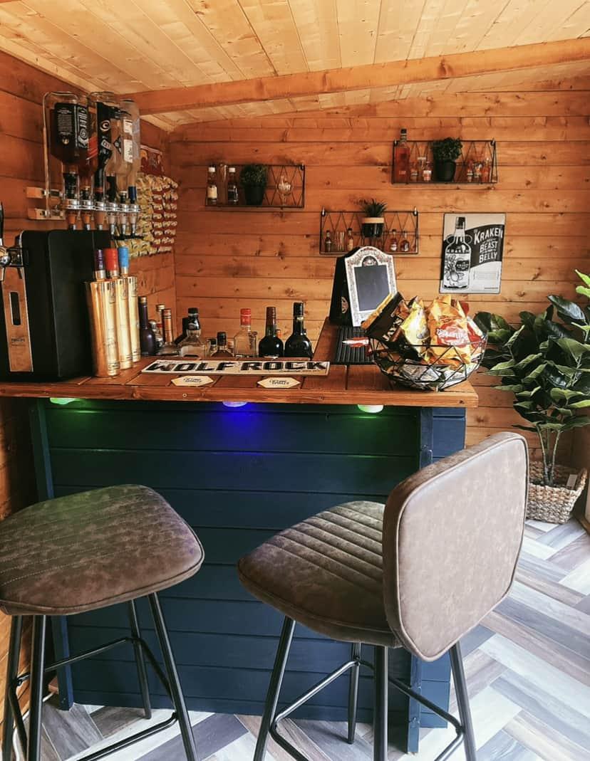 Katie Mills BillyOh Carmen Log Cabin bar interior